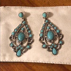 Jewelry - NWOT Turquoise Earrings